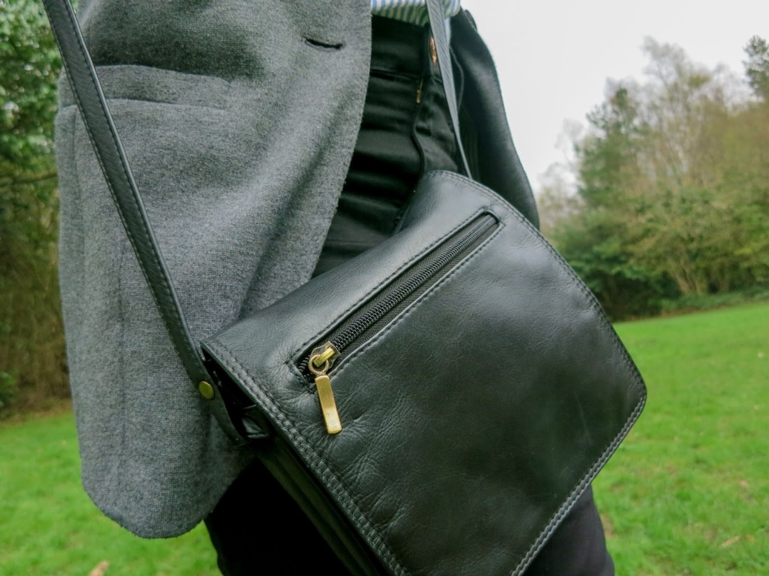 close up photo showing the bag in detail