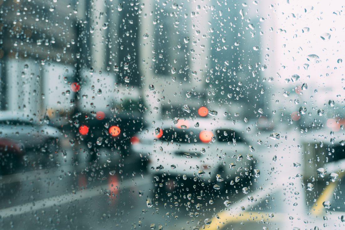 rain winter cars traffic city
